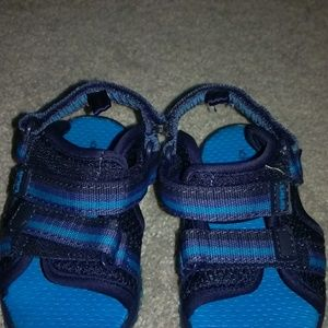 Carter's boys sandals size 5 EUC